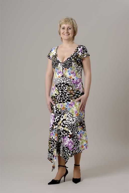 94c4aa7bc25 05. Šaty v maxi délce s rukávky - gala móda - xxl oděvy - nadměrné ...